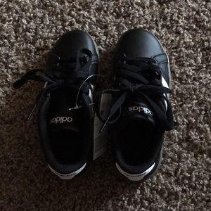Adidas black baseline tennis shoes